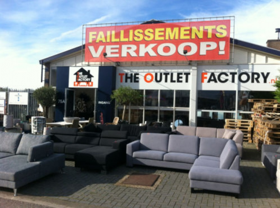 The outlet factory outletwinkel in cruquius for Banken winkel